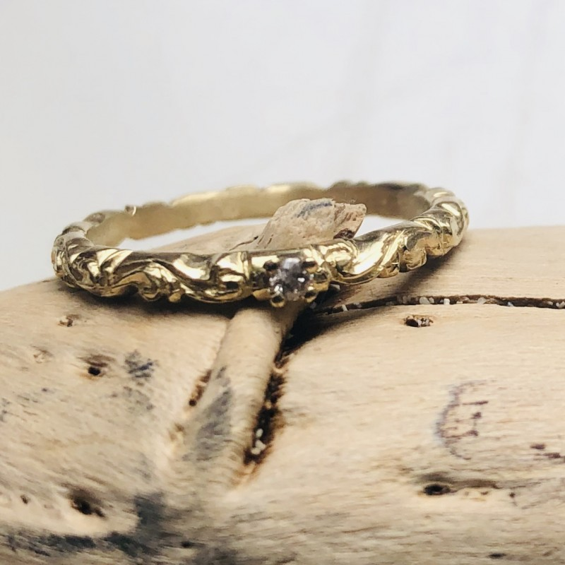 Grazia Eternity Ring in 9kt Yellow Gold