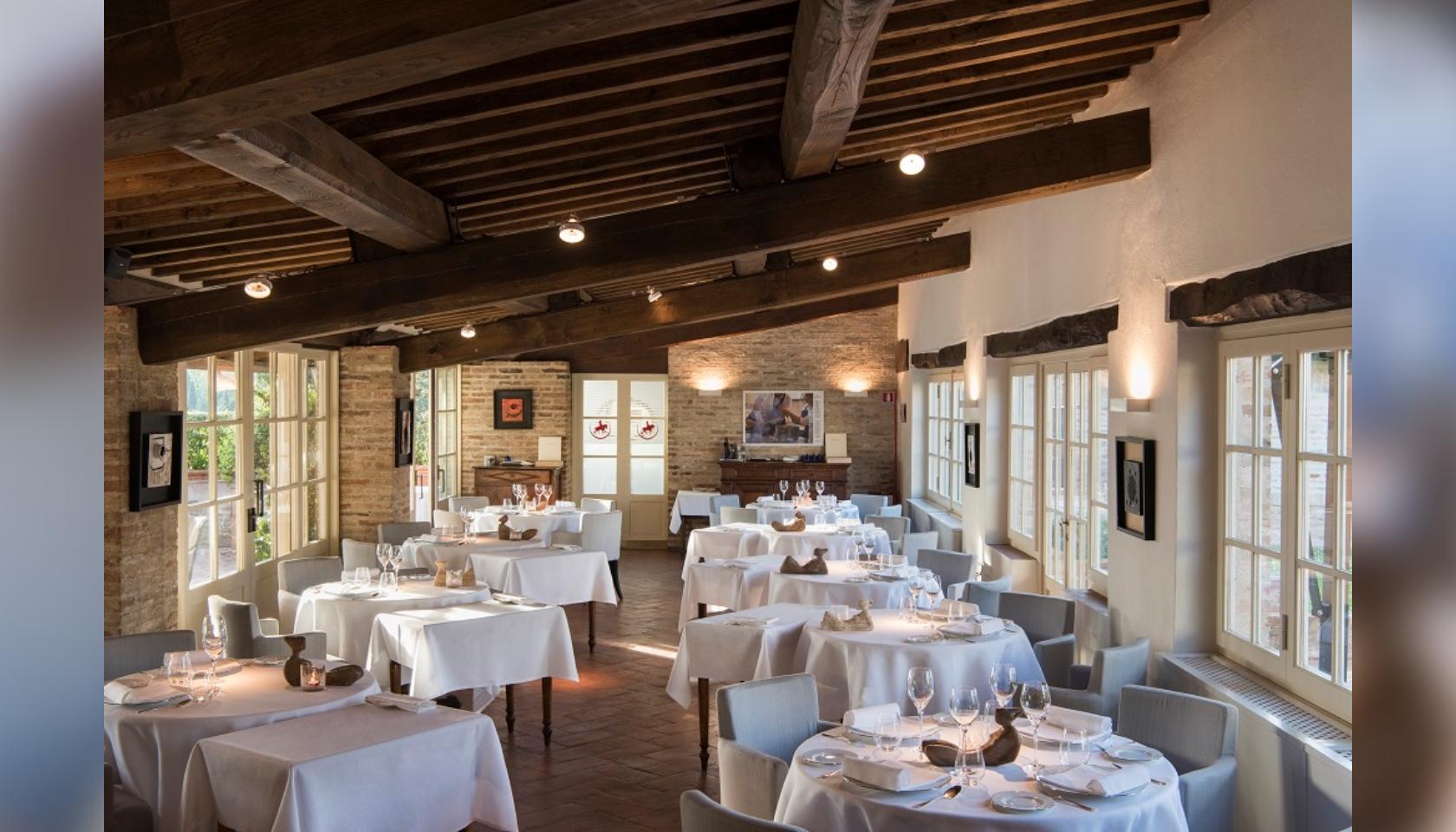 Soggiorno di due notti presso il Borgo San Felice di Siena ...