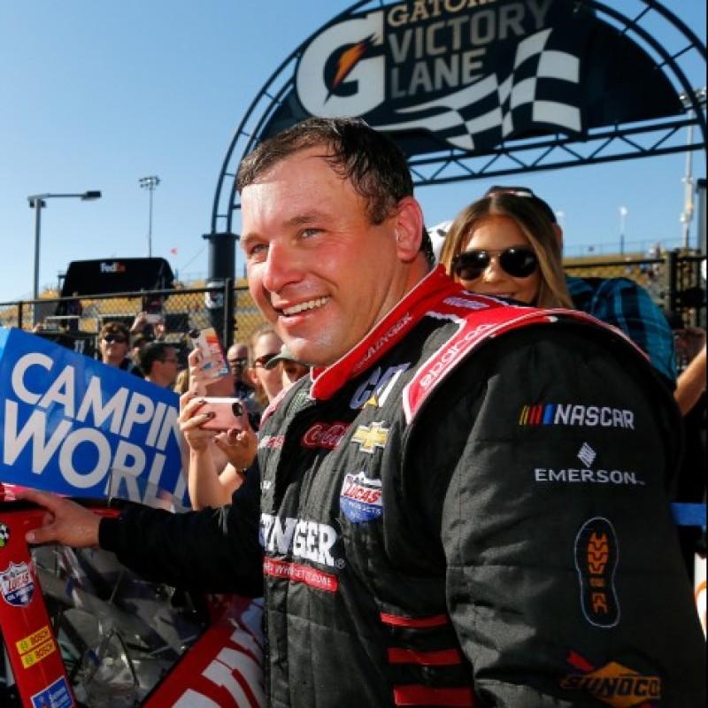 Casco NASCAR autografato da Ryan Newman