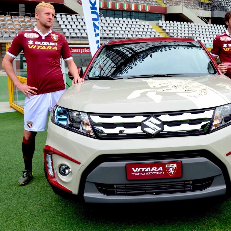SUV Suzuki Vitara personalizzato con i colori del Torino