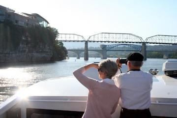 Image: 'Seven Bridges' Cruise Aboard the River Gorge Explorer
