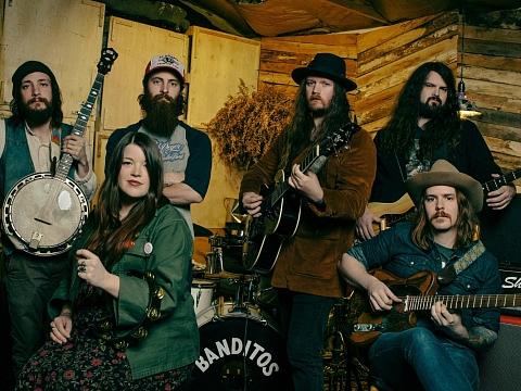 Image: Banditos