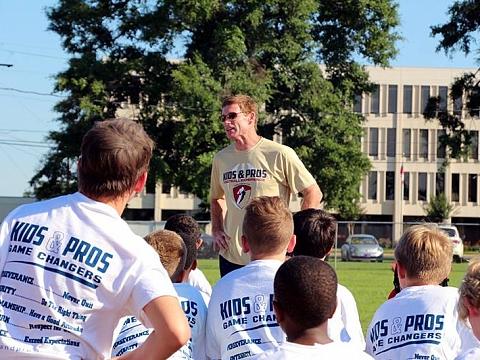 Image: Free Kids & Pros Football Camp