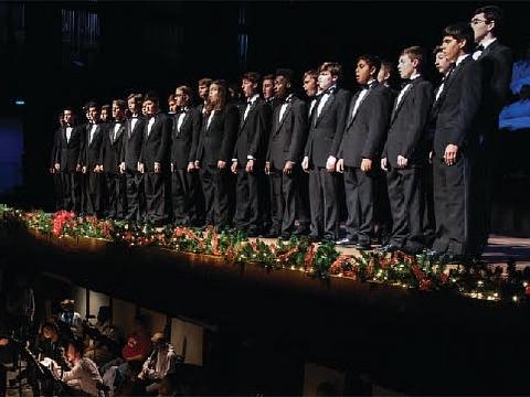 Image: Chattanooga Boys Choir: Singing Christmas Tree