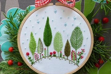 Image: Beginner Embroidery: Holiday Hand Towels