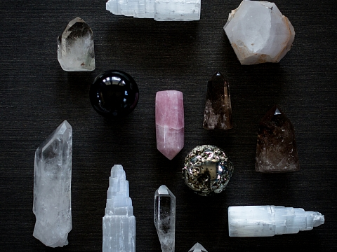 Image: Crystals 101 – ONLINE CLASS