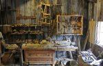 The carpenter's equipment