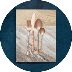 With its lustrous sheen and sophisticated copper finish, this 16-piece cutlery set is perfect for more formal dining occasions.