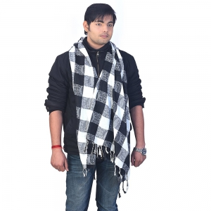 Latest Chequered Design Black And White Pure Kashmiri Scarf Stole DLI4SHW137M