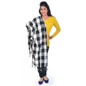 Black And White Chequered Pattern Warm Woolen Kashmiri Scarf Stole DLI4SHWF137