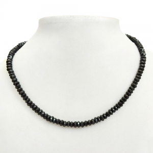 Glamorous Handcarved Semiprecious Shiny Black Spinel Beaded Necklace DLI5SNS213