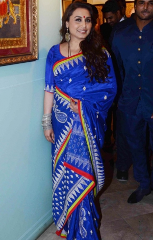 Rani Mukharji In Glossy Blue Silk And Georgette Saree ET-386