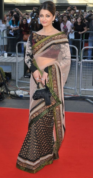 Aishwarya Rai Heavy Design Floral Border Elegant Bollywood Net Saree  DLI4SRR527