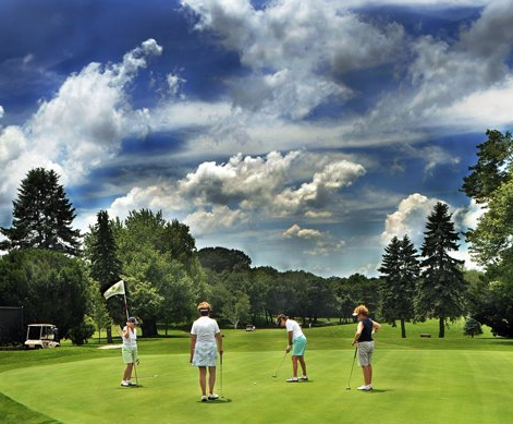 Mother's Day Special for Rhode Island and Massachusetts Public Golf Course