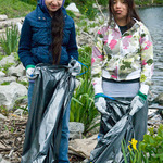 322-young-riverday-workers