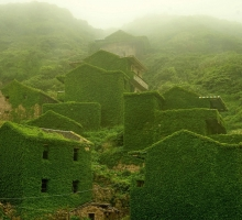 Walking through an abandoned Chinese fishing village