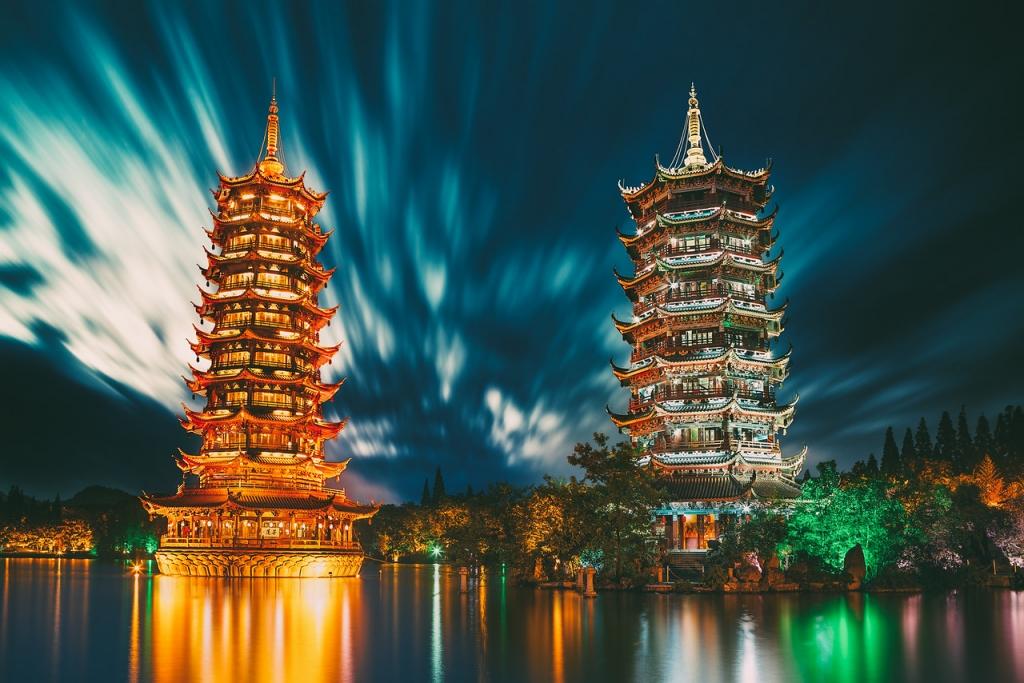 Peter-Stewart-Sun-and-Moon-Pagoda-Guilin-China-X2