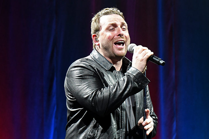 Johnny Reid entertains the crowd at DREAM on Wednesday, November 8, 2017