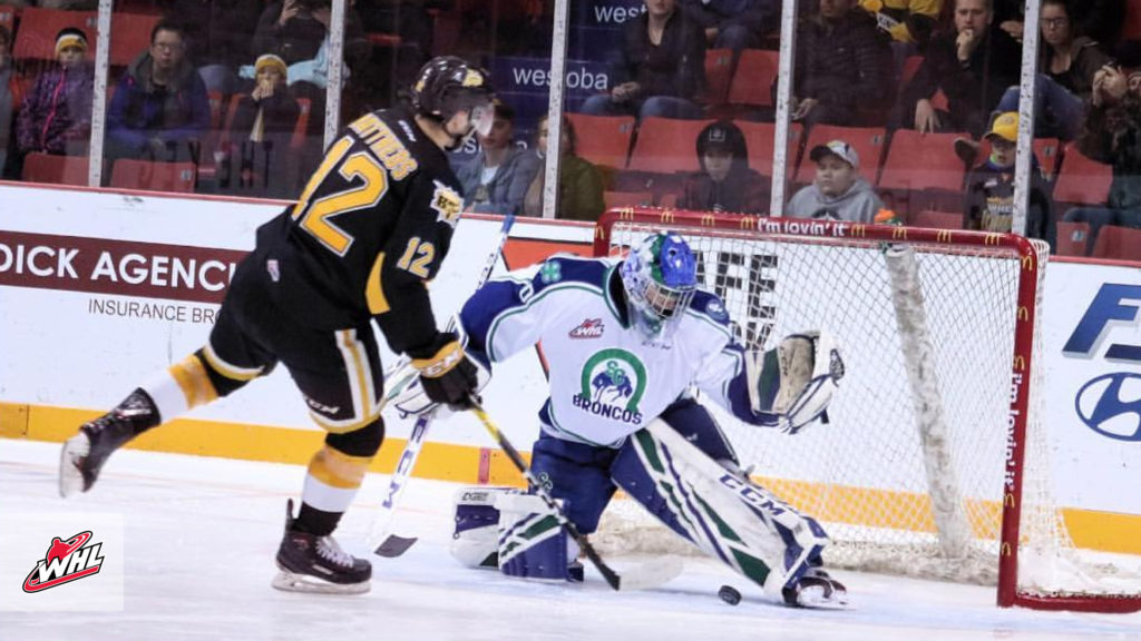 Whl Tonight Hofer Dazzles With 53 Saves As Broncos Pick Up First