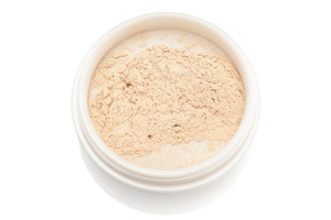 Correcting calendula powder foundation light