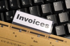 4 Ways to Beat the Competition by Outsourcing Invoice Management