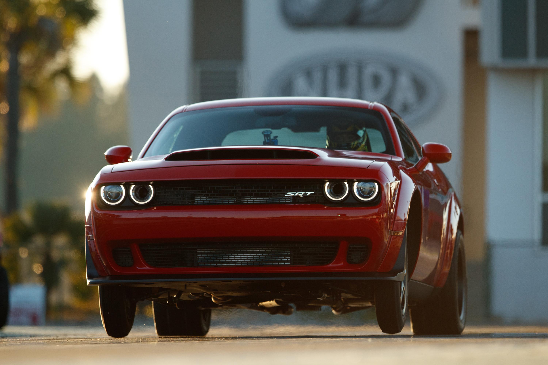 Hot Wheels /& Display Case 2015 Dodge Challenger SRT Hot Rod YELLOW