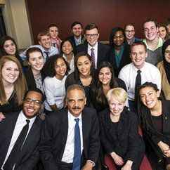 Former U.S. Attorney General Eric Holder Discusses Criminology with Mason Honors Students