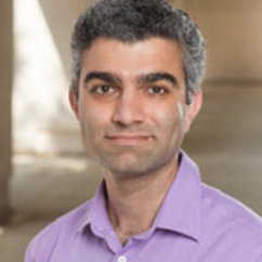 Dr. Reeshad Dalal Featured in GW Hatchet on Research Into Decision-Making
