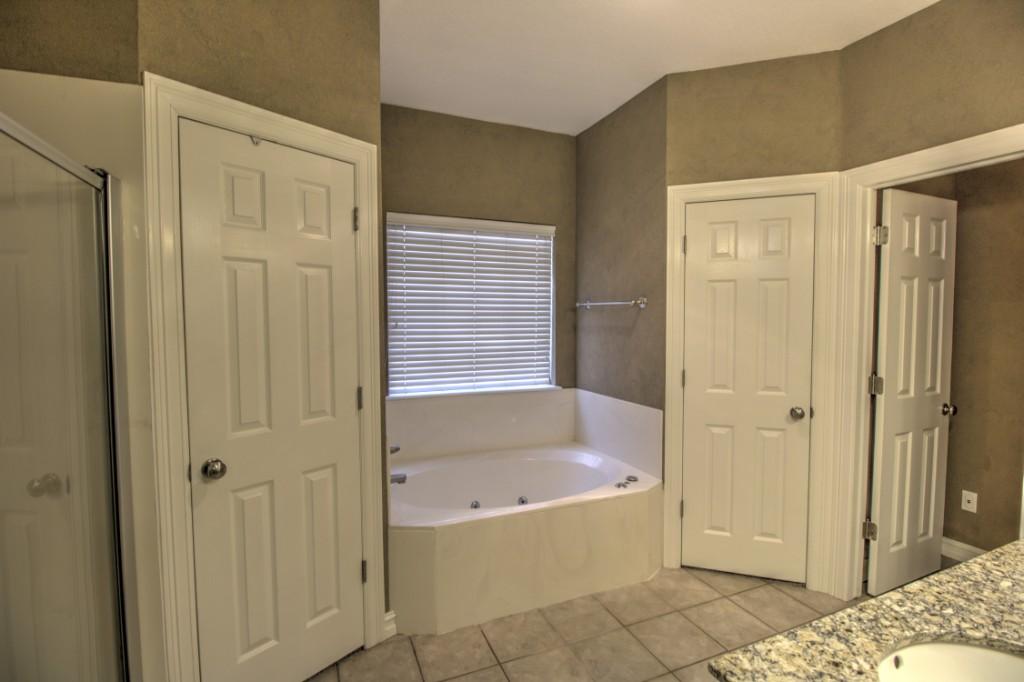 024_Master Bathroom