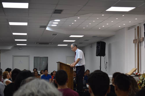 Jairo Preaching