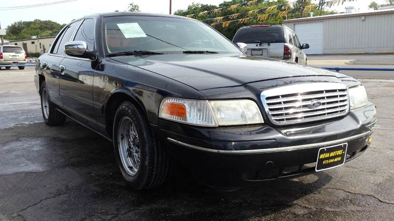 2000 Ford Crown Victoria For Sale