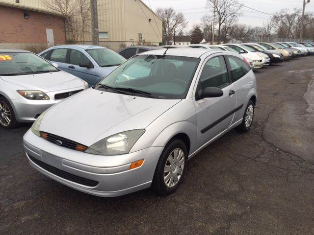 2004 ford focus for sale in hamilton oh. Black Bedroom Furniture Sets. Home Design Ideas