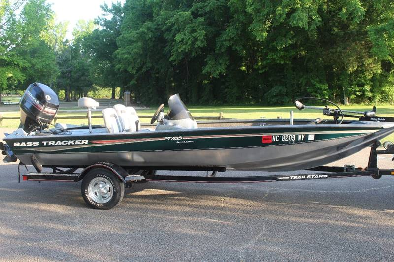 2004 tracker bass tracker pt 18 5 special edition nice for Nice fishing boats
