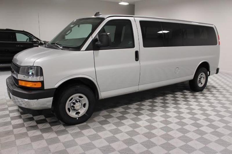 2017 Chevrolet Express Passenger Lt 3500 3dr Extended ...