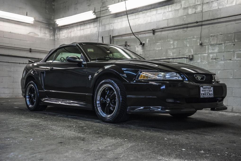 2000 ford mustang for sale in puyallup wa wa. Black Bedroom Furniture Sets. Home Design Ideas