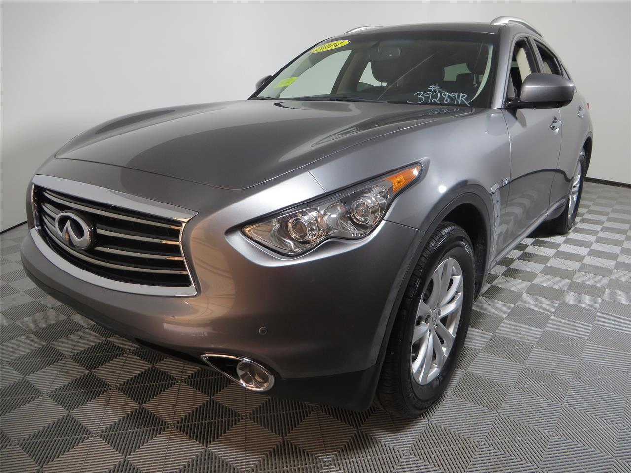 2014 infiniti qx70 for sale in south easton ma. Black Bedroom Furniture Sets. Home Design Ideas