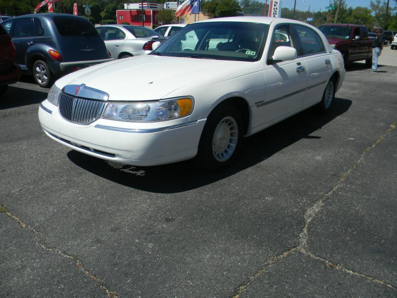 2000 lincoln town car for sale in mckinney tx. Black Bedroom Furniture Sets. Home Design Ideas