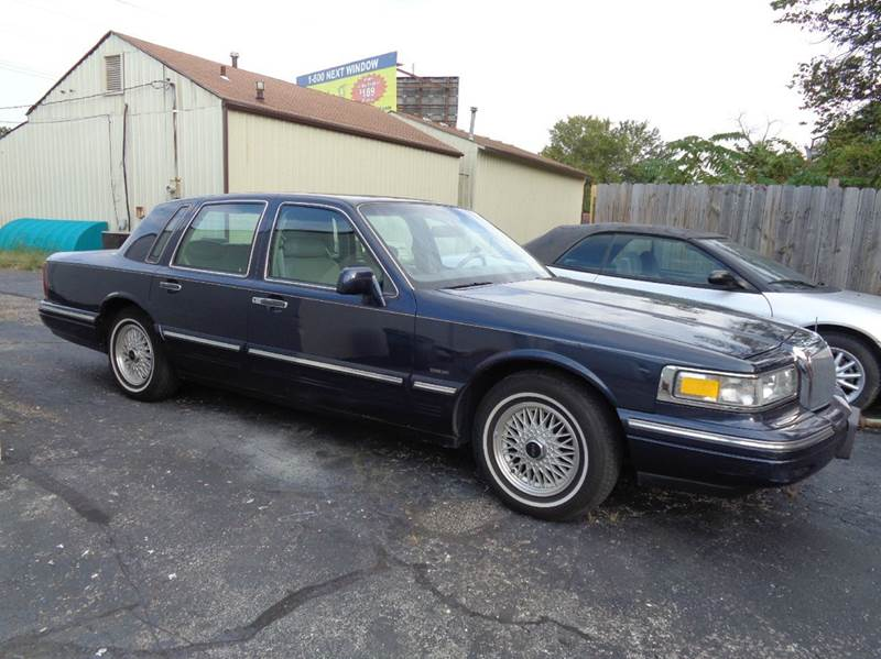 1996 lincoln town car for sale in grandview mo. Black Bedroom Furniture Sets. Home Design Ideas