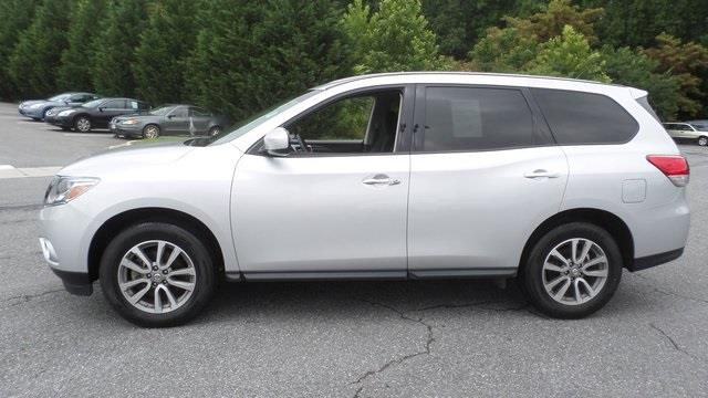 2013 nissan pathfinder for sale in lynchburg va. Black Bedroom Furniture Sets. Home Design Ideas