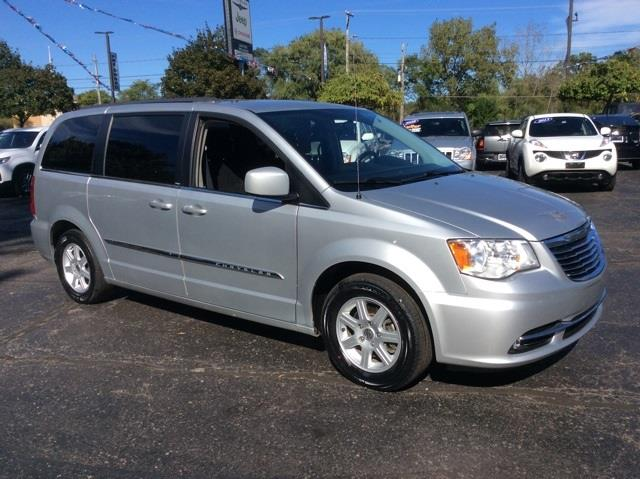 2011 chrysler town and country for sale in heath oh. Black Bedroom Furniture Sets. Home Design Ideas