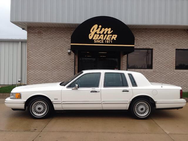 1994 lincoln town car for sale in fort madison ia. Black Bedroom Furniture Sets. Home Design Ideas