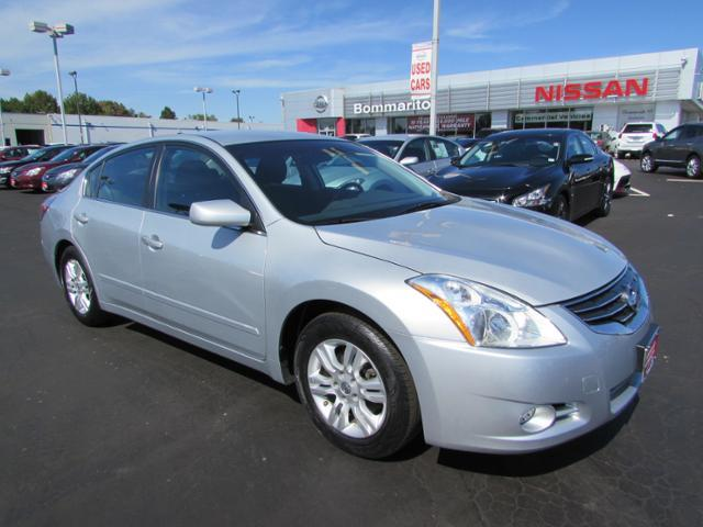 2010 nissan altima for sale in waterbury ct. Black Bedroom Furniture Sets. Home Design Ideas