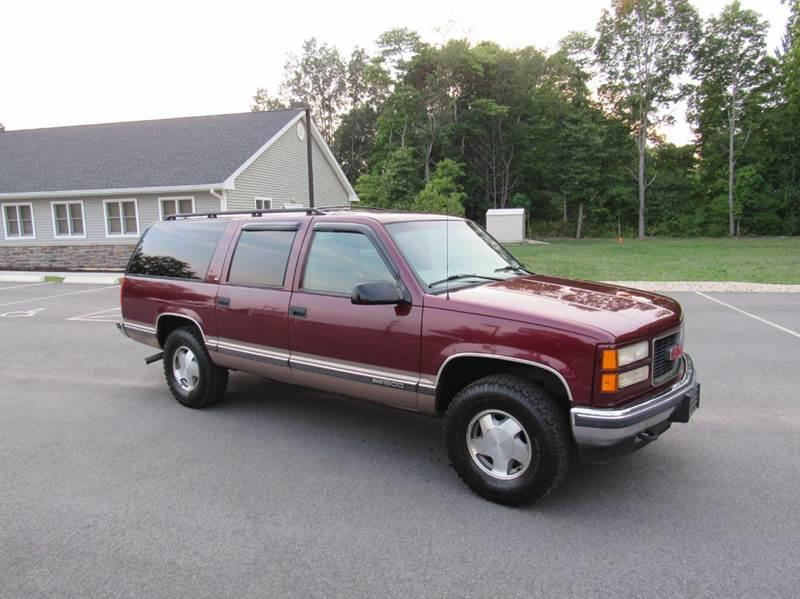 1998 gmc suburban for sale in meriden ct. Black Bedroom Furniture Sets. Home Design Ideas