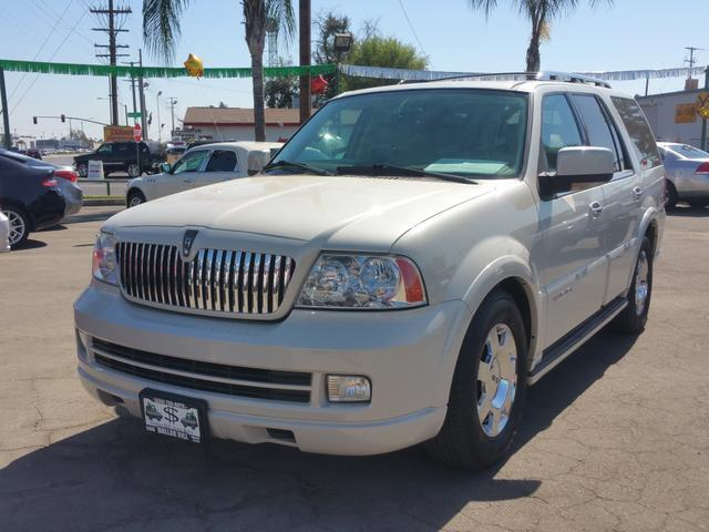 2005 Lincoln Navigator for sale in Visalia, CA