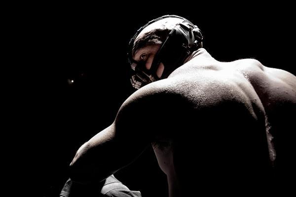 Crítica cine - El Caballero Oscuro La Leyenda Renace - Tom Hardy