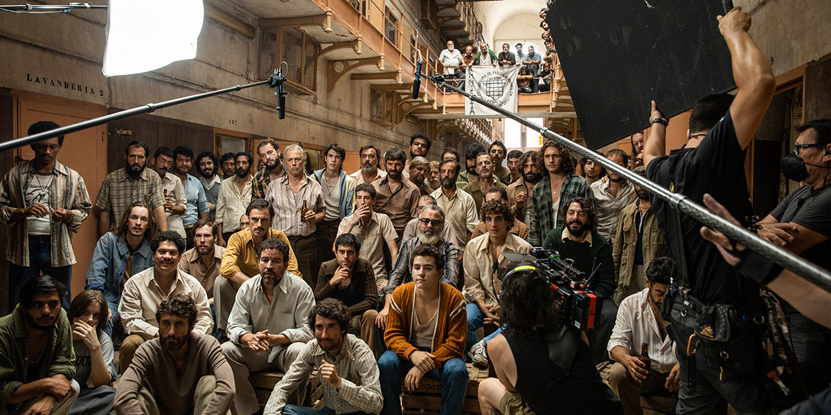 Film Factory toma Modelo 77 • Film Factory Entertainment