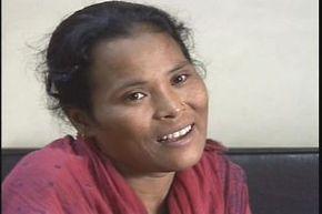 Thumb_877_femmes_sur_la_ligne_nepal
