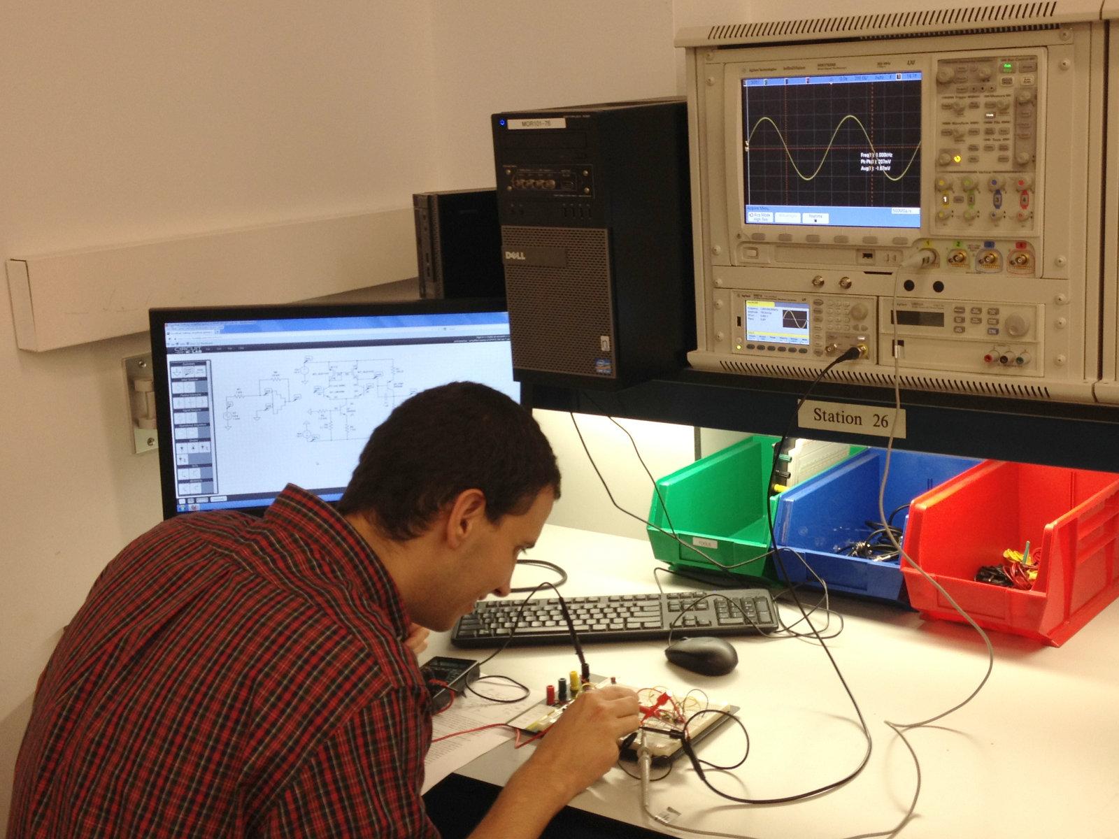 CircuitLab circuit simulator at Penn