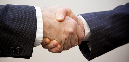 Interview-Handshake
