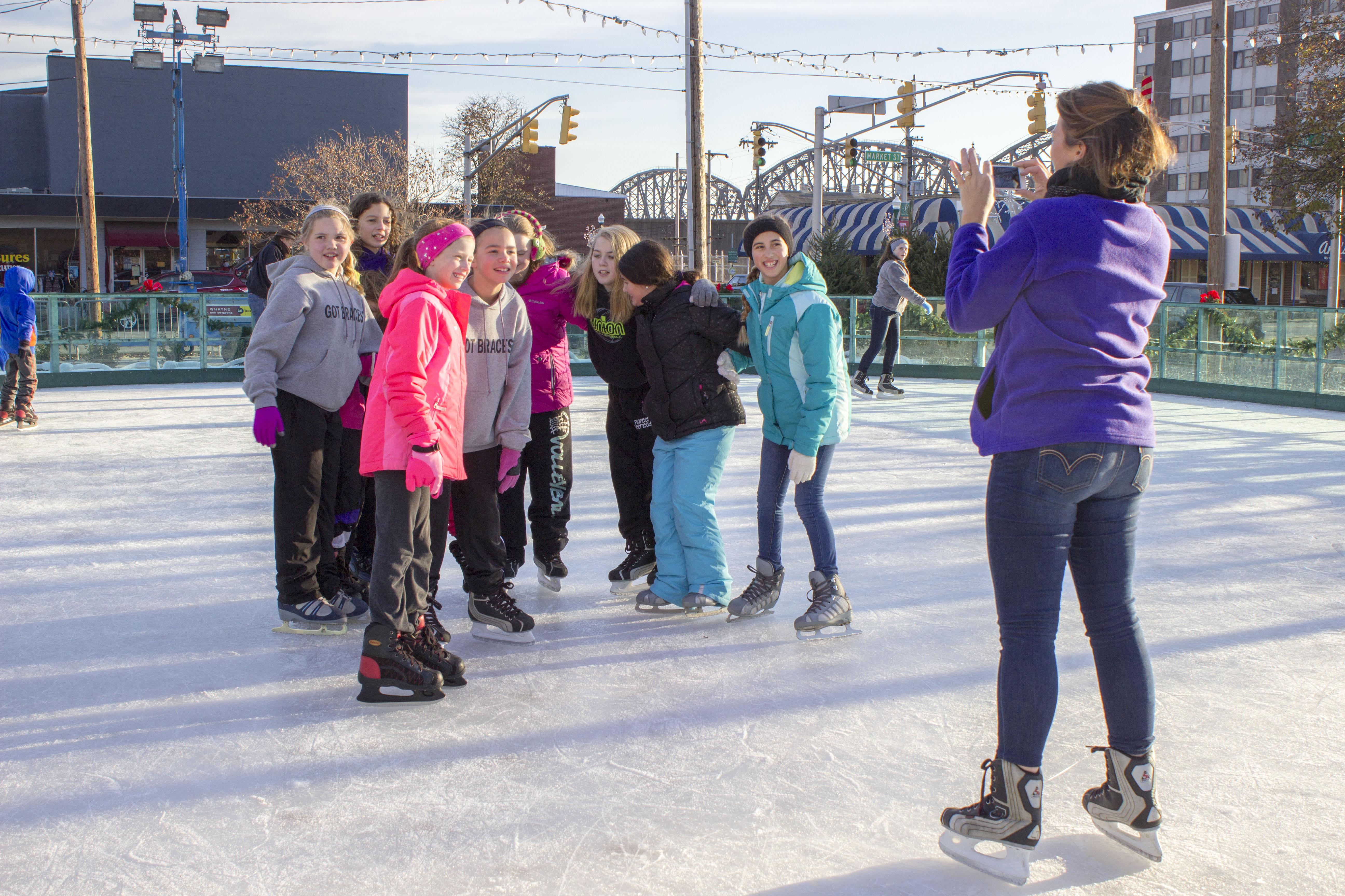 Ice Skating Opening 112814 6